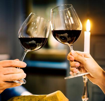 Pohľadnica romanticke vino  - k meninám, príležitosti