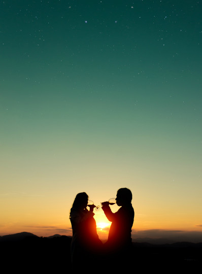 Pohľadnica vino láska  - k meninám, príležitosti